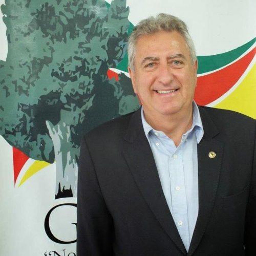 Sperotto homenageia Rotary Club de Porto Alegre pelos 85 anos de fundação